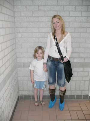 My sister and Gijs. Blue is her color.